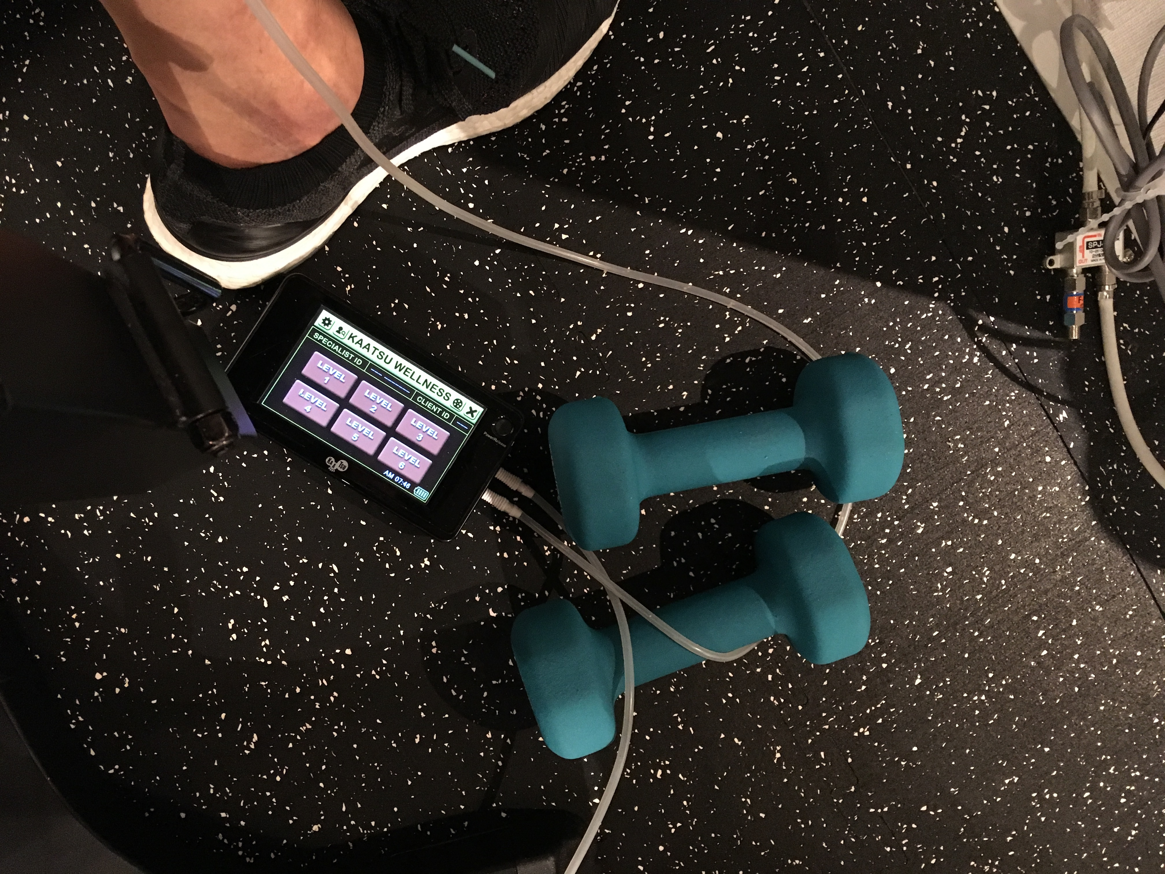 トレーニング再開(加圧)!夏に向けてハム・ケツを鍛え直すin  M's Gym
